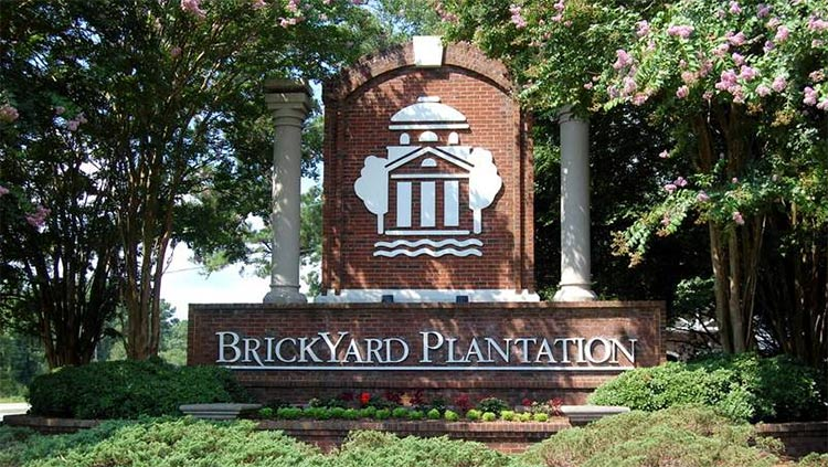 A photo of the Brickyard Plantation sign at the entrance to the neighborhood in Mount Pleasant, South Carolina