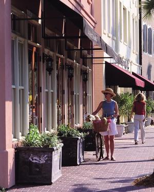 Women walking by shops in Daniel Island, SC
